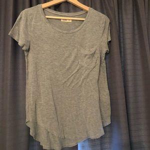 hollister gray t-shirt